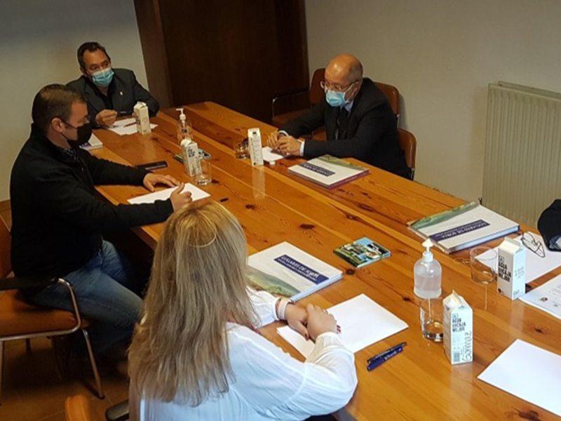 Igea confirma el apoyo de la Junta a Molinos de Duero para el proyecto 'pueblos cuidadores'